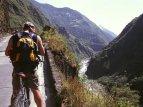 Na kolech do kaňonu Río Pastaza