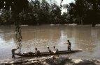 Na indiánské kánoi přes Río Arajuno